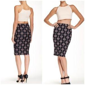 🧡3 for $25 🧡 Southwestern Print Pencil Skirt
